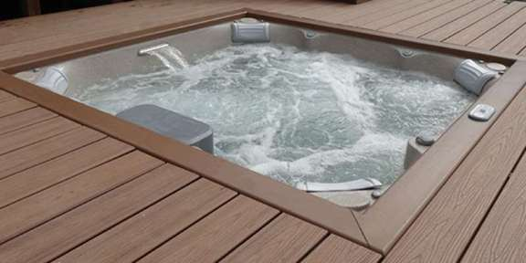 jacuzzi-hot-tub-in-deck